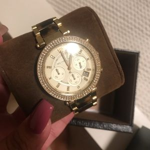 MK watch (marble print)
